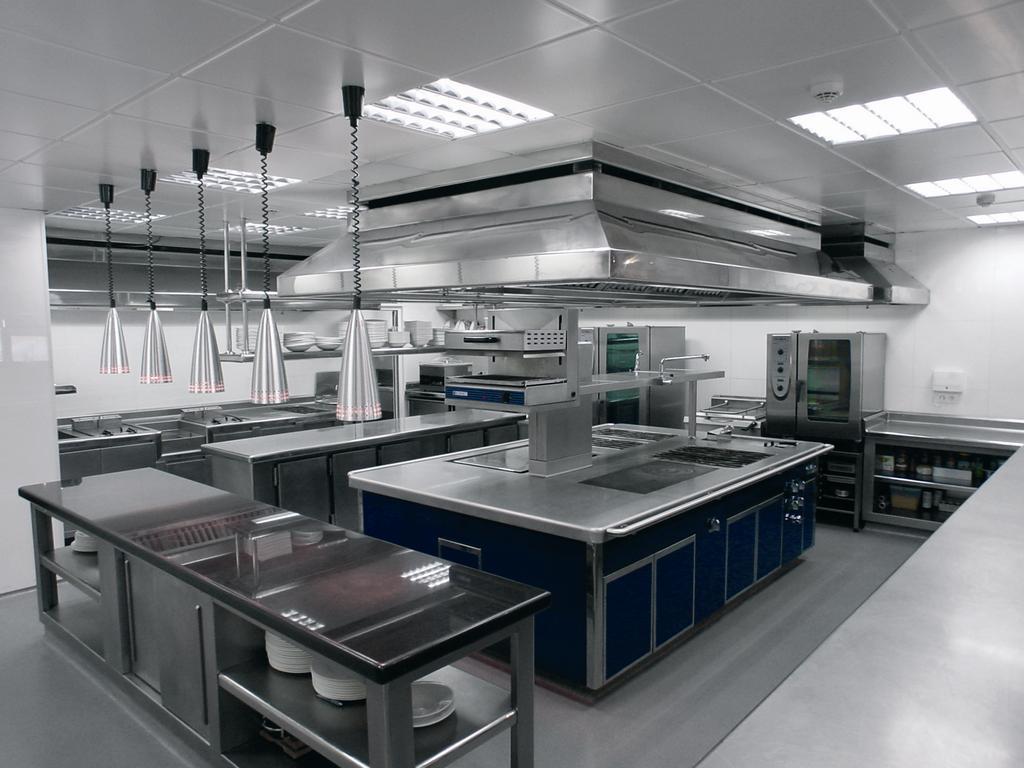 Es necesaria la extinci n autom tica en la cocina de un for Medidas cocina restaurante